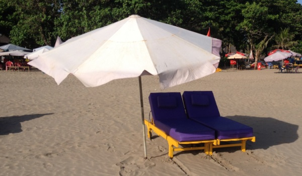 How Much Do Beach Chairs Cost to Rent on Bali